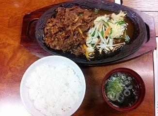 lunch500_1904.jpg